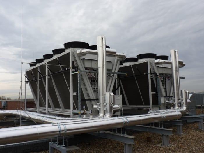 Rückkühler mit Wasserbesprühung passend zu Kältezenmtrale